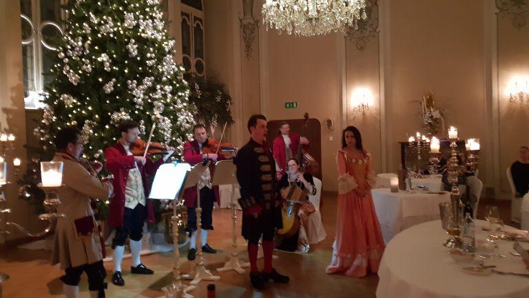 Mozart vacsora-koncert a St.Peter kolostor barokk termében Salzburgban!