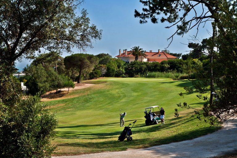 A portugáliai Cascais gyöngyszeme a Palácio Estoril Hotel